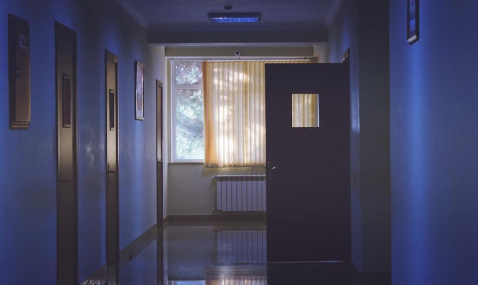 architecture-daylight-door-239853.jpg