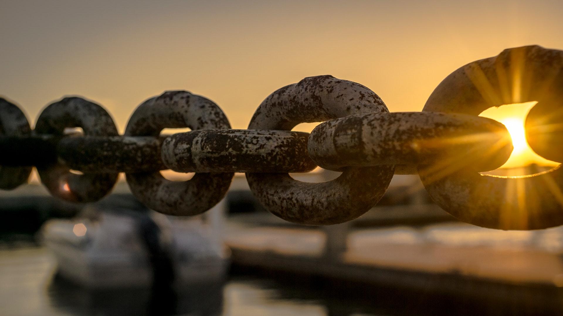 Boat chain dawn 119562